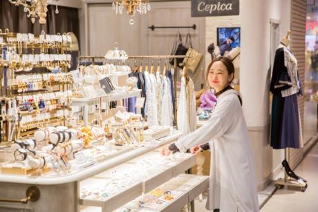 【 雑貨屋さんの販売 】 札幌ステラプレイス店 各種保険完備 個人ノルマ無し 私服勤務OK